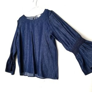 Tops - Top chambray bell sleeve size L